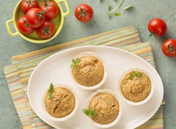 Muffin integral de peito de peru, tomate e azeitonas (Foto: Divulgação/Nestlé/Sheila Oliveira)