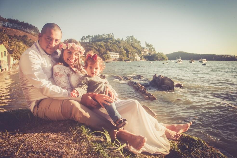 Baptista, a mulher Daniele e a filha Melissa — Foto: Arquivo Pessoal