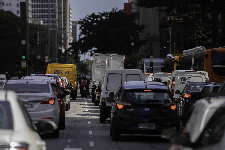 Coronavírus: Trânsito em SP quadruplica em 24 horas; Marginal Pinheiros tem 6 km de filas