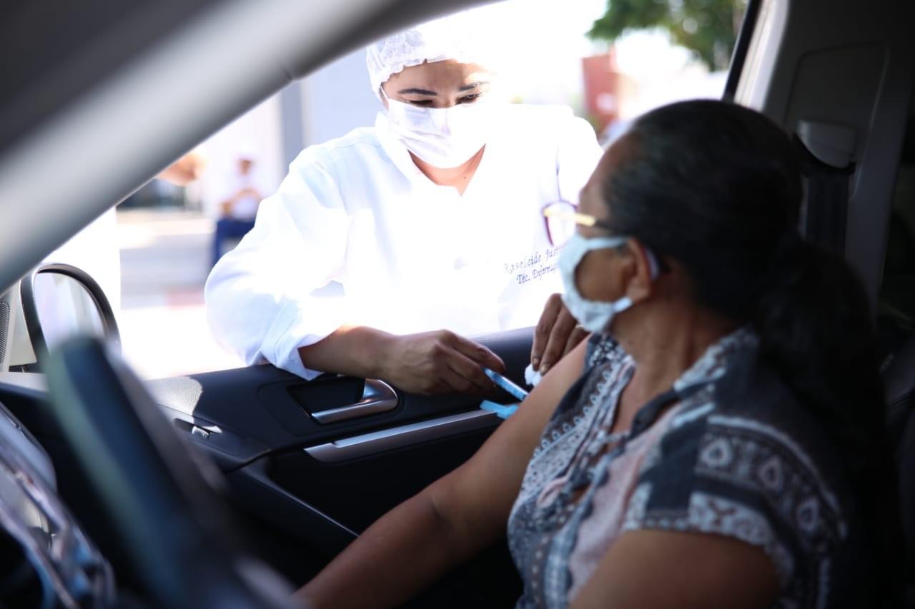 Campanha de vacinação contra a gripe deve imunizar 1.500 idosos no domingo (5) em Petrolina