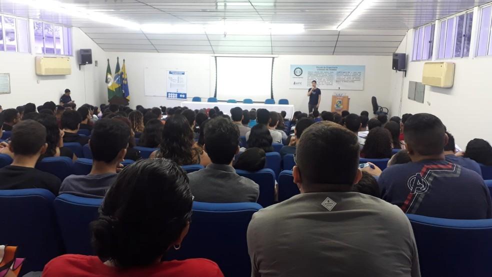 Aula presencial, antes da pandemia, no cursinho Pró-ExaCta, em Fortaleza (CE).  — Foto: Arquivo pessoal
