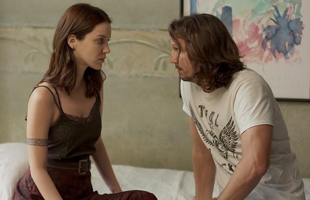 Em 'Rocky story', chama a atenção a química entre Nathalia Dill, a intérprete de Júlia, e Vladimir Brichta, o Gui (Foto: TV Globo)