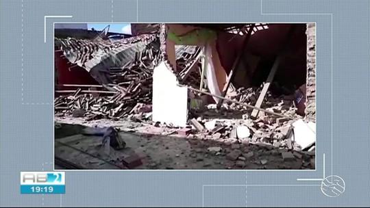 Casa desaba após construção cair em cima dela em Cupira