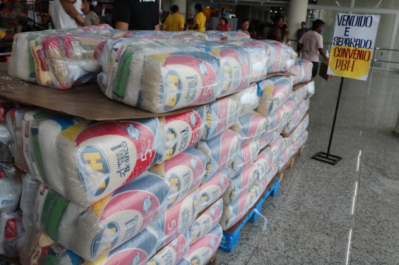 Começa nesta quarta a retirada de cestas básicas entregues pela Prefeitura de Belo Horizonte