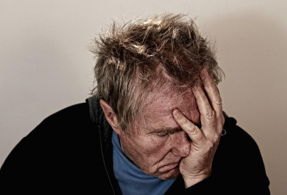 Depressão é mais comum em idosos do que em idosas (Foto: Pixabay)