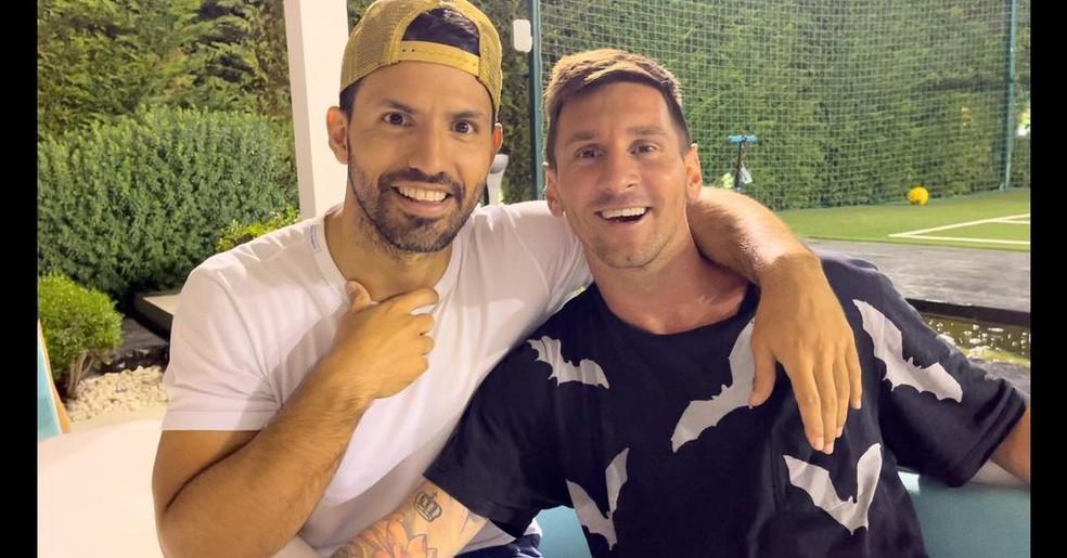 Agüero e Messi juntos, no jantar de despedida promovido pelo agora ex-jogador do Barcelona — Foto: Reprodução/Instagram