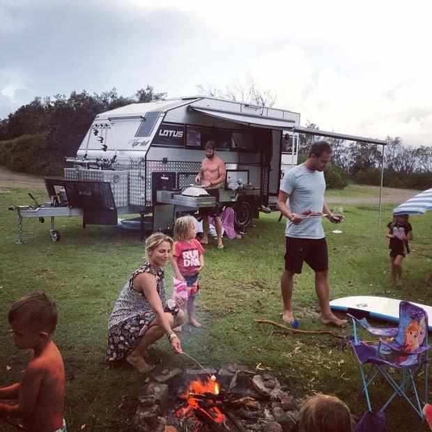 Chris Hemsworth com a família (Foto: Reprodução Instagram)