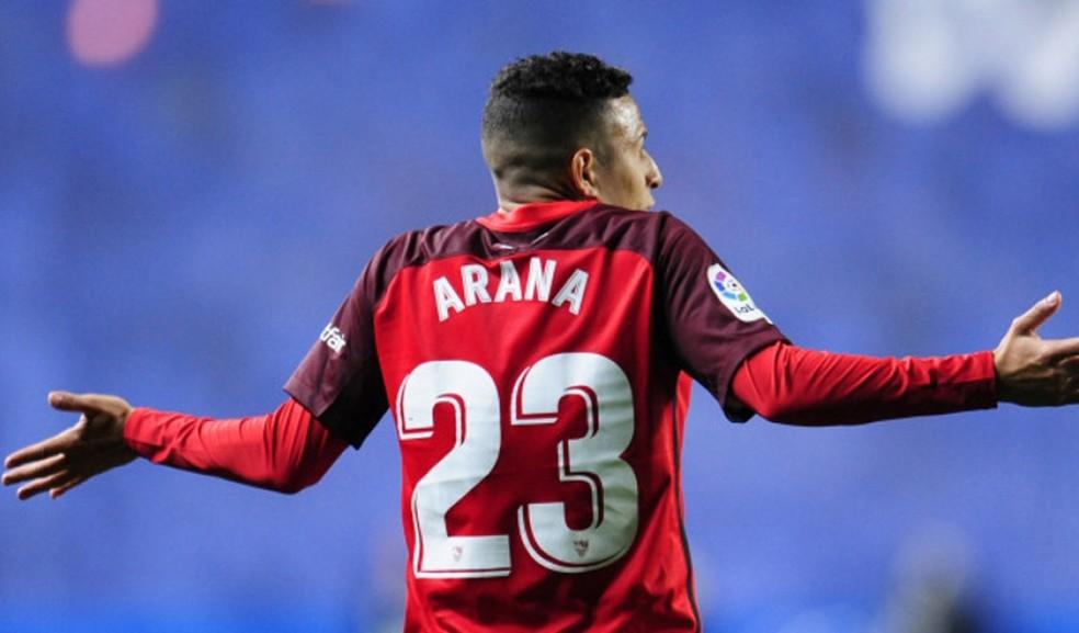 Guilherme Arana, lateral-esquerdo do Sevilla, interessa ao Corinthians — Foto: Divulgação/Sevilla