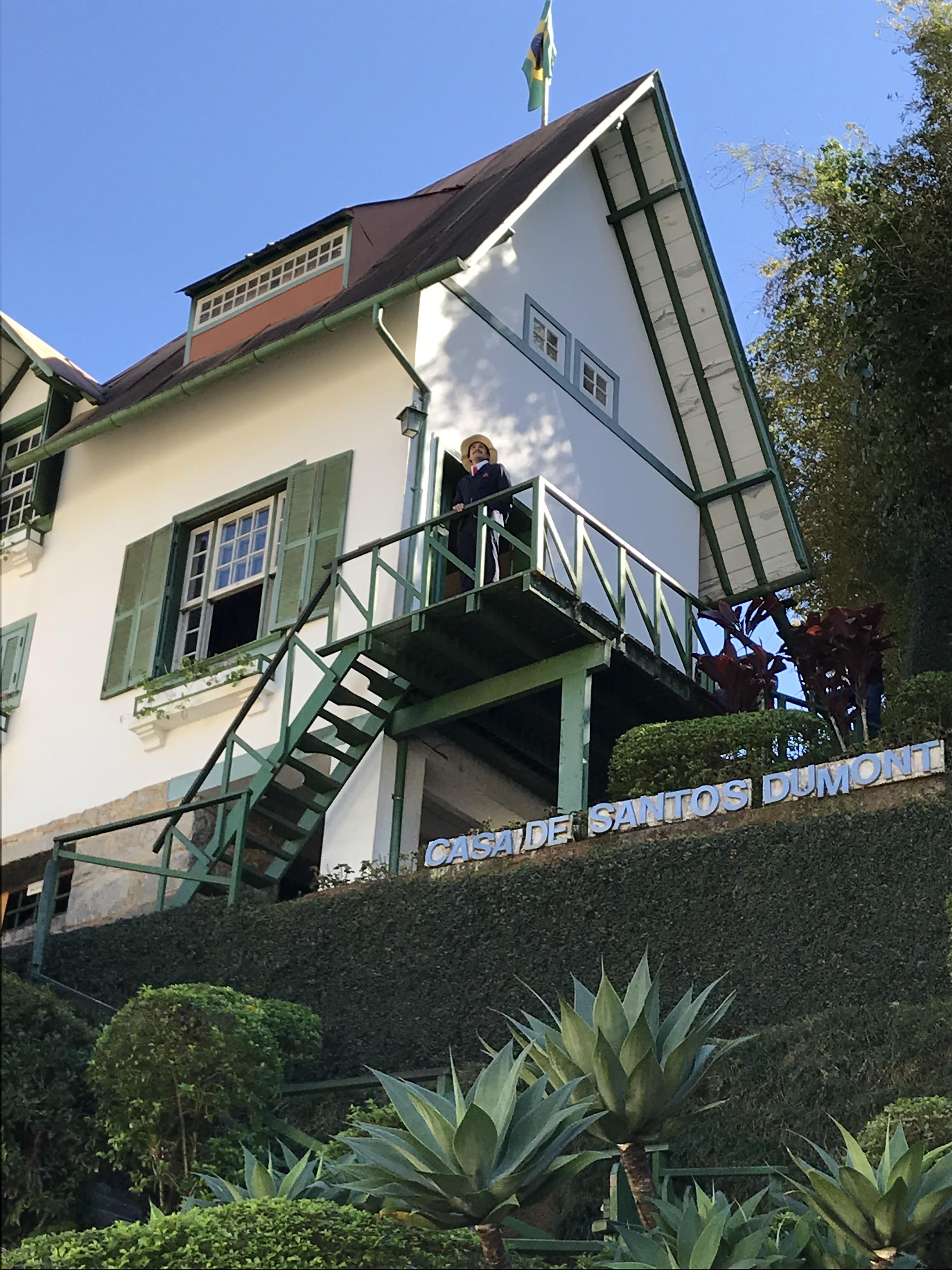 Casa de Santos Dumont, em Petrópolis, tem entrada gratuita neste domingo em comemoração aos seus 100 anos