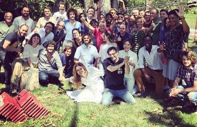 Sophie Charlotte, a Alice de 'Os dias eram assim', homenageou a equipe da supersérie da Globo. 'Vou sentir falta de todos', escreveu no Instagram. Veja mais fotos dos bastidores da reta final (Foto: Reprodução Instagram)