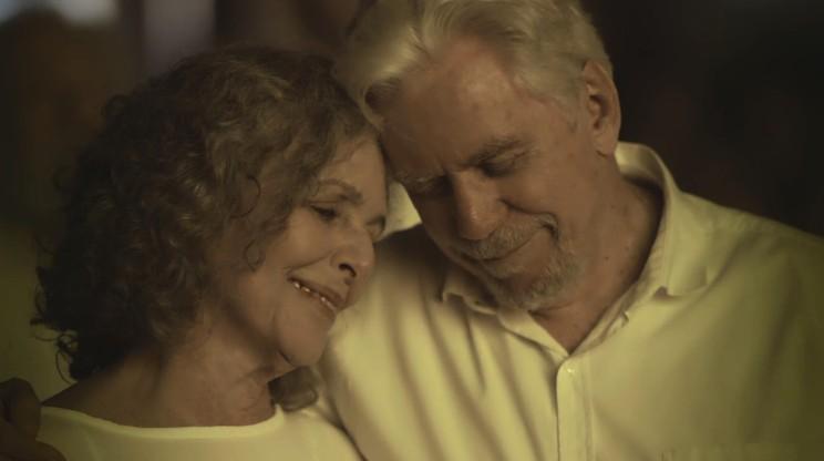 Irene Ravache e Reginaldo Faria em 'Espelho da vida' (Foto: Reprodução)