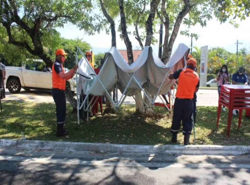 Barreira sanitária em São Sebastião é suspensa; equipe desmontou tenda neste sábado (27) após determinação — Foto: Divulgação/PMSS
