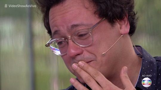Irmãos Danton e Selton Mello vão às lágrimas em homenagem no 'Vídeo Show'; veja!