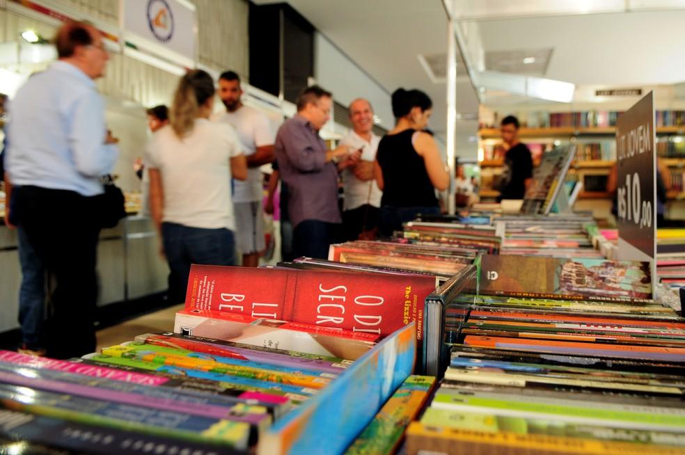 Estande de livros na 33ª Feira do Livro de Brasília — Foto: Divulgação/Agência Brasília