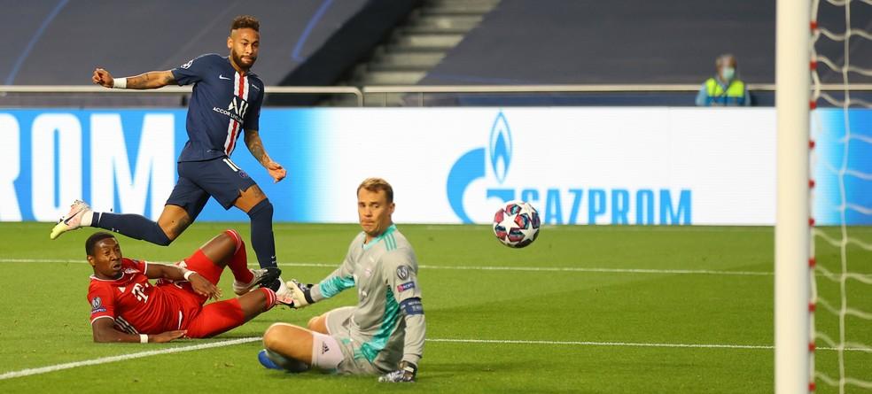 Neuer impede gol de Neymar: goleiro alemão teve atuação de gala na final — Foto: Getty Images