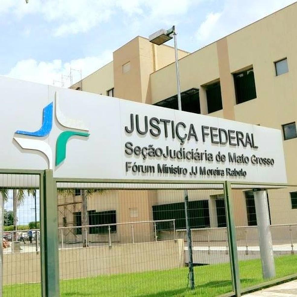 Justiça Federal determinou que União explique critérios de distribuição das vacinas — Foto: JF-MT