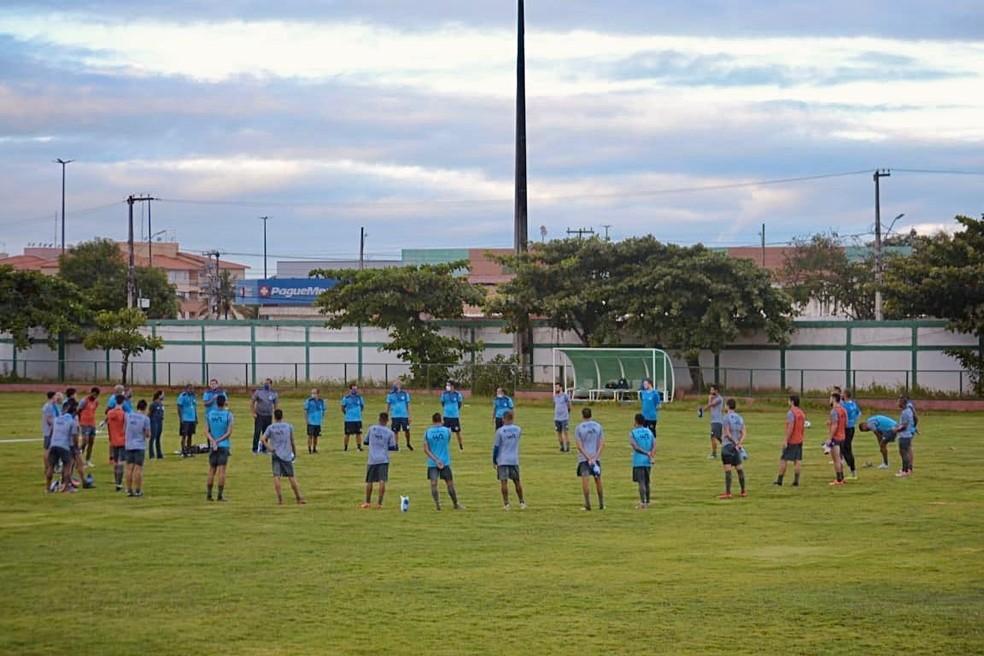 Confiança retomou treinamentos presenciais após mais de 100 dias, mas foi obrigado a paralisar atividades — Foto: ADC/Divulgação