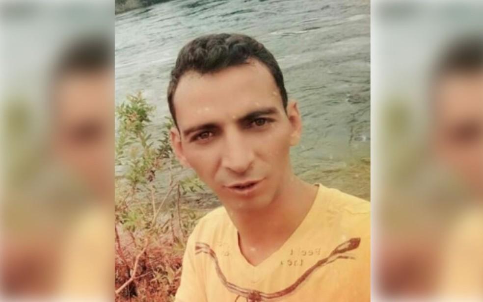 Sílvio Alves de Souza foi esfaqueado e morto dentro de carro em Sinop (Foto: Divulgação)