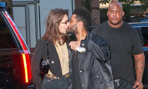 Bella Hadid e The Weeknd (Foto: Backgrid)