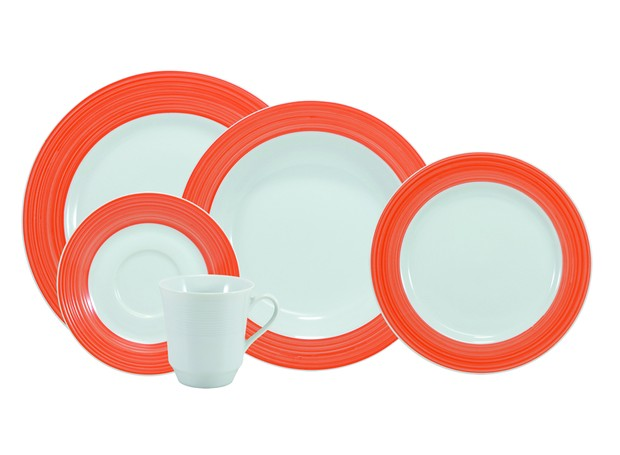 Loja Schmidt - Serviço de jantar e chá com 30 peças laranja, de R$ 584,70 por R$ 399 (Foto: Divulgação )