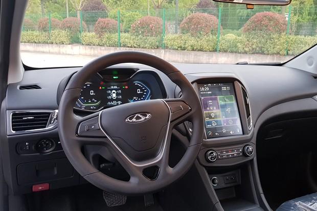 Interior do Arrizo elétrico é mais sofisticado do que do modelo com motor 1.5 turbo (Foto: Julio Cabral/Autoesporte)