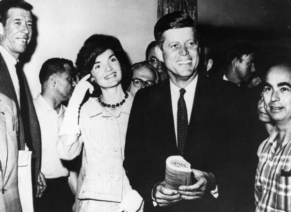 John F. Kennedy e sua esposa Jacqueline (Foto: Getty Images)