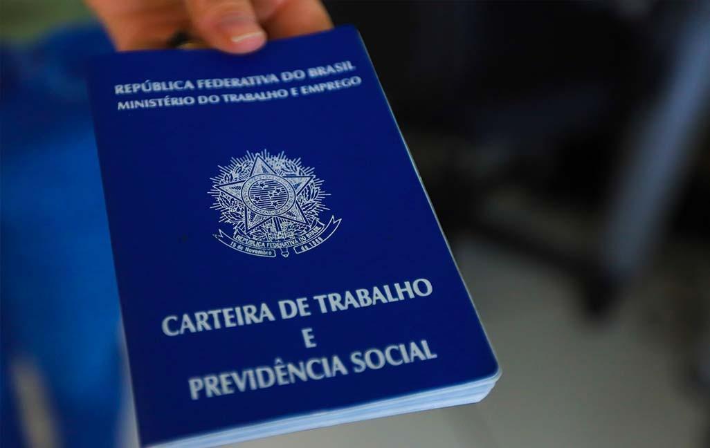 Agências do Trabalhador têm 3.158 vagas de emprego com carteira assinada no Paraná, diz governo