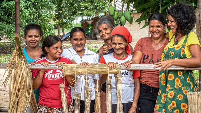 Mulheres da Comunidade de Buraquinhos, na Chapada Gaúcha (MG) (Foto: Marcelo Curia)