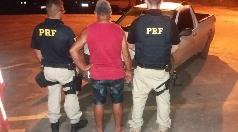 Condutor disse à PRF que comprou o veículo em Santarém pelo valor de R$ 20 mil — Foto: PRF/Divulgação