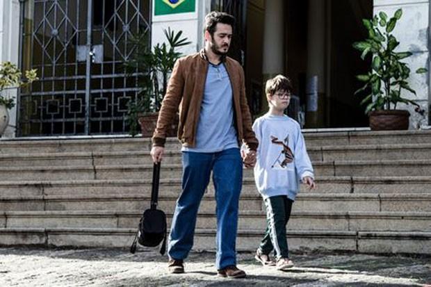 Marcus Veras (à esquerda) e Pedro Vinicius em cena de 'O filho eterno' (Foto: Rosano Mauro/Divulgação)