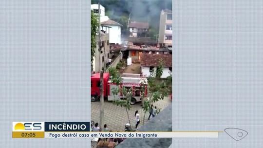 Fogo destrói casa em Venda Nova do Imigrante, ES