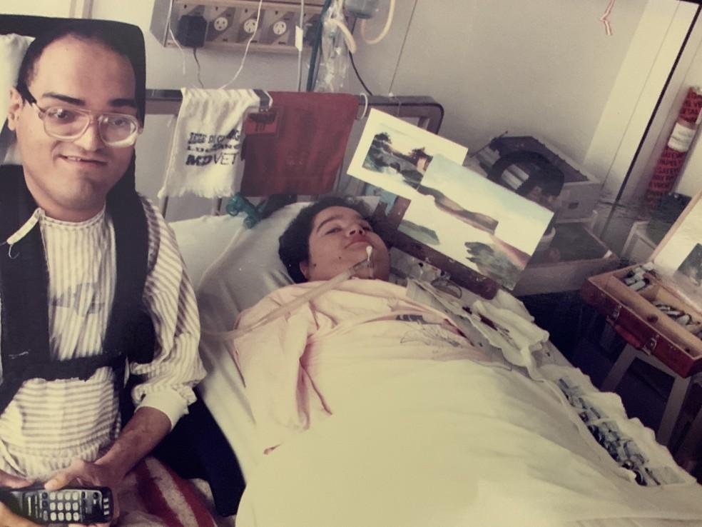 Paulo e Eliana no quarto de hospital que dividiram por quatro décadas — Foto: Arquivo pessoal