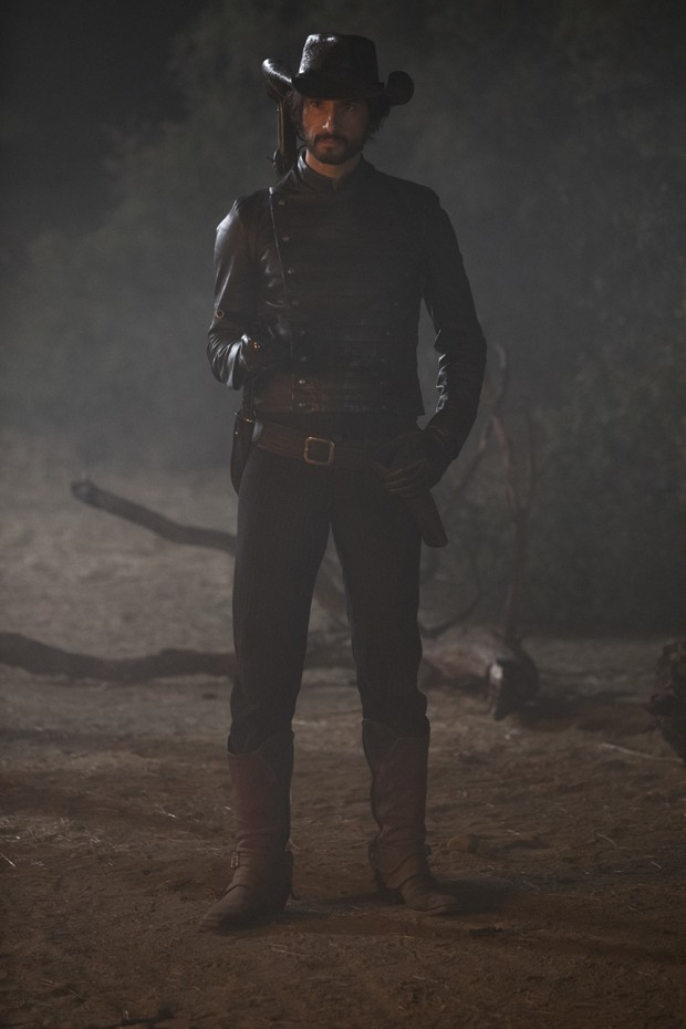 Rodrigo Santoro na pele de Hector Escaton em Westworld (Foto: John P. Johnson_HBO)