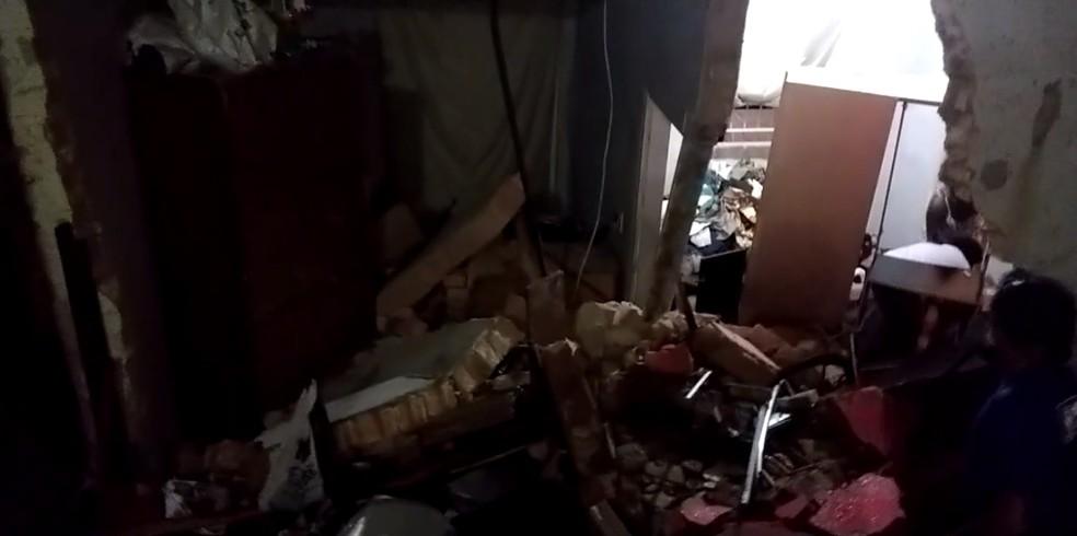 Parte de uma casa desabou por causa da chuva em Venda Nova, na capital mineira. — Foto: Ricardo Andrade/Arquivo pessoal