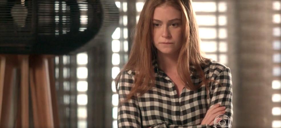 Eliza fica pensativa com conselho de Stelinha — Foto: TV Globo