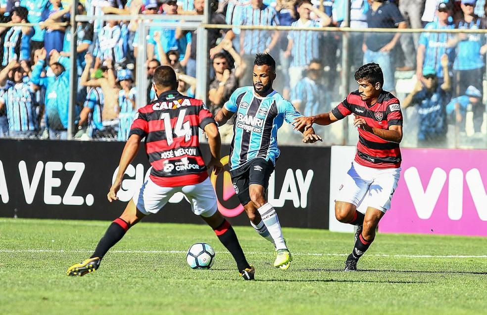 Vitória segurou empate em 1 a 1 contra o Grêmio (Foto: Rodrigo Rodrigues/Divulgação Grêmio)