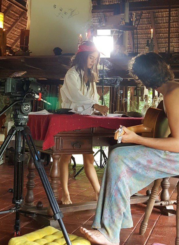 Pally Siqueira grava clipe com Jaffar Bambirra (Foto: Daniel Talento)