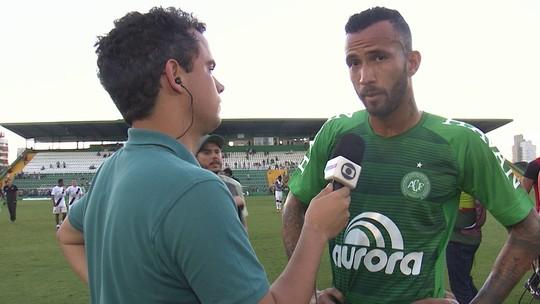 Estreante, Leandro Pereira lamenta lesões de companheiros contra o Vasco