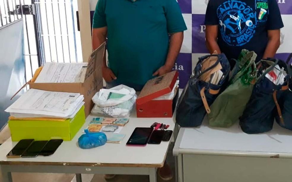 Documentos, celulares e computadores foram apreendidos pela polícia no Ciretran de Juazeiro, no norte da Bahia — Foto: Divulgação/Polícia Civil