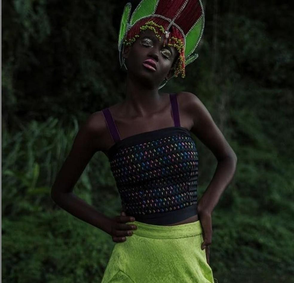 Após vender peixe na praia, modelo baiana de 16 anos assina com grande agência e participa de clipe com Anitta  — Foto: Arquivo pessoal/KEVIN OUX