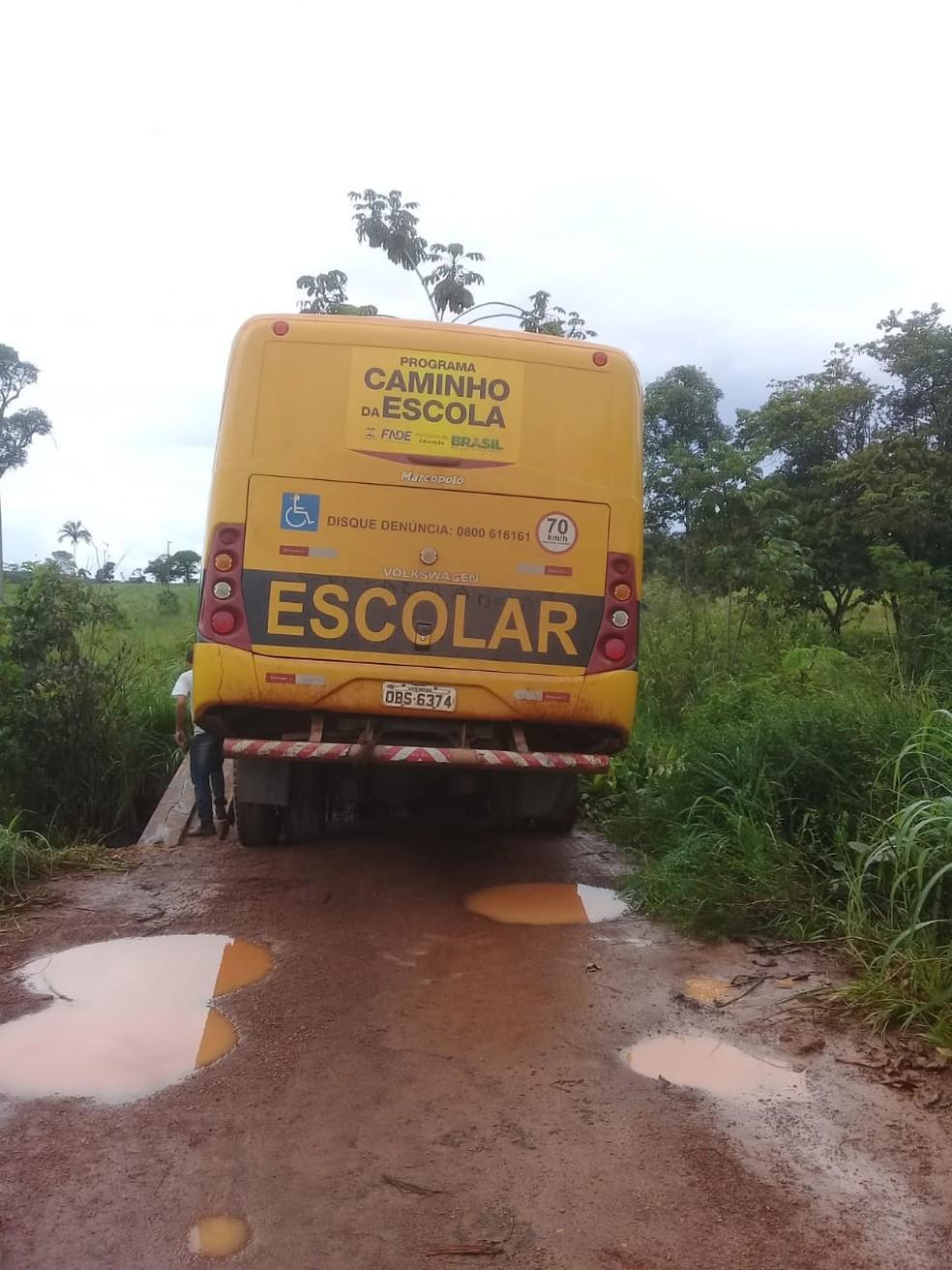 Ônibus transporta alunos de comunidade rural — Foto: Thaísa Santana/ Olhar Alerta