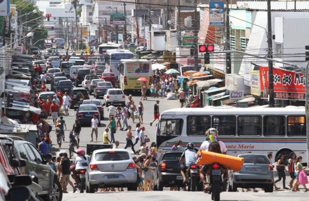 Capital potiguar tem população de 885.180 pessoas em 2017, segundo IBGE; na foto, o bairro do Alecrim. (Foto: Canindé Soares)