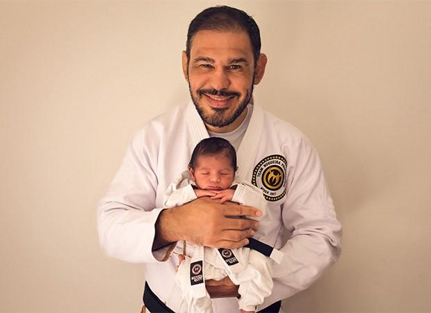 Rogério Minotouro com o filho Romero (Foto: Daniela Leite/ Divulgação)