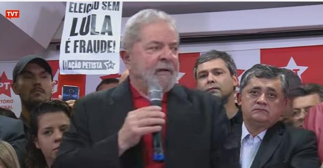 O ex-presidente Lula fala sobre sua condenação no caso tríplex