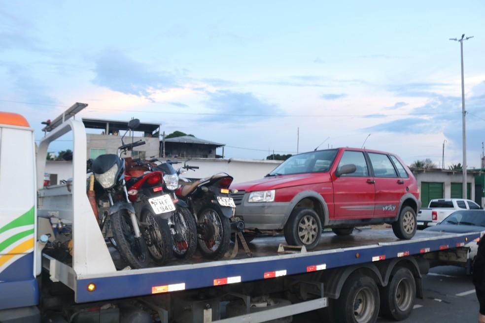 Carros e motos foram apreendidos em Manaus — Foto: Divulgação