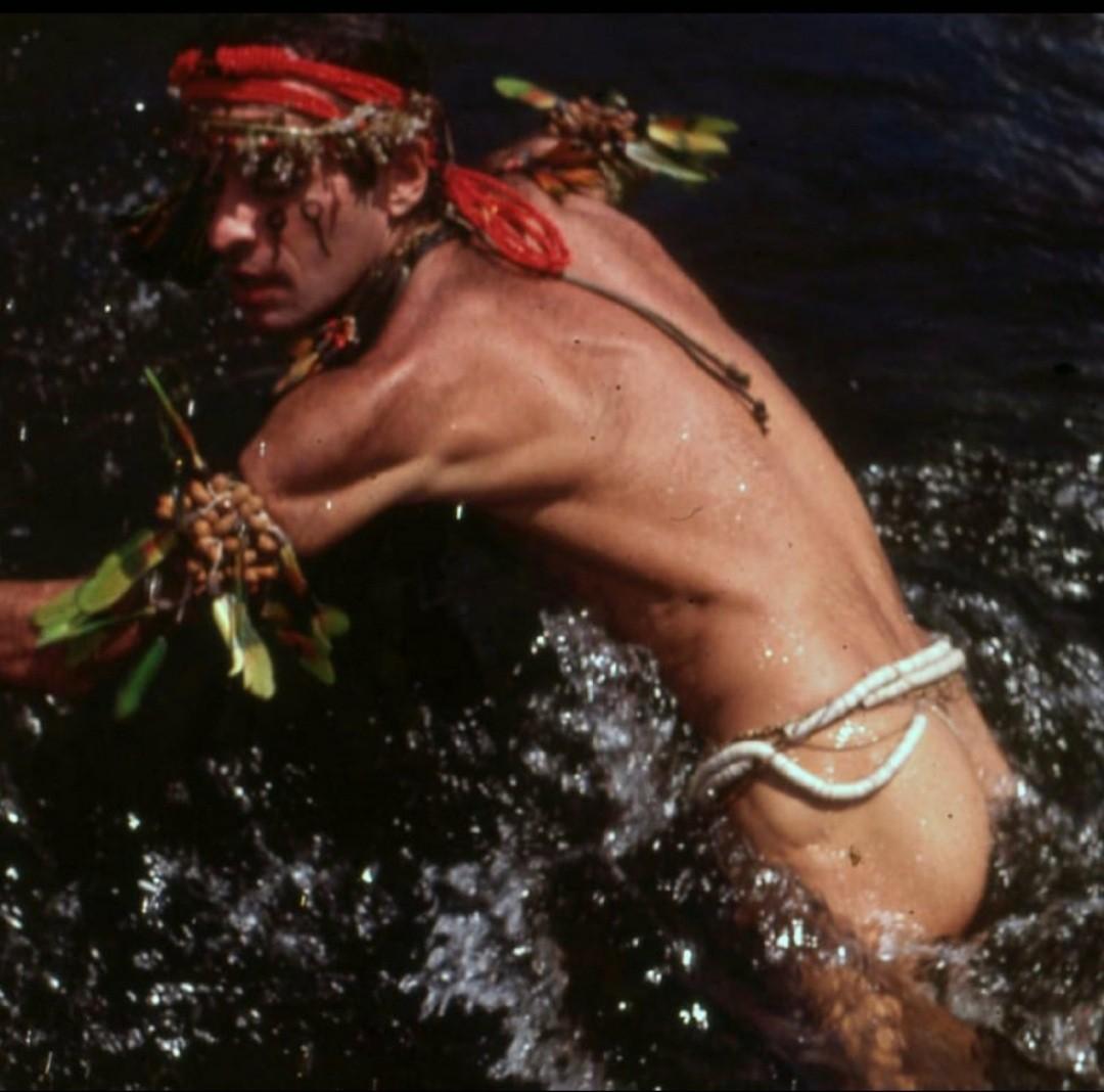 Ney Matogrosso em foto do ensaio para o disco Mato Grosso (1982) (Foto: Reprodução / Instagram )