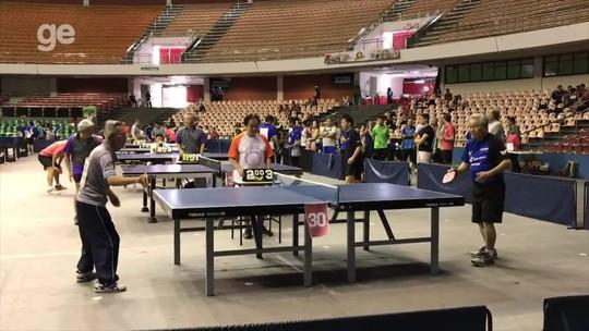 Parece mentira! Aos 87 anos, veja o que idosos são capazes de fazer no tênis de mesa. Confira o vídeo!