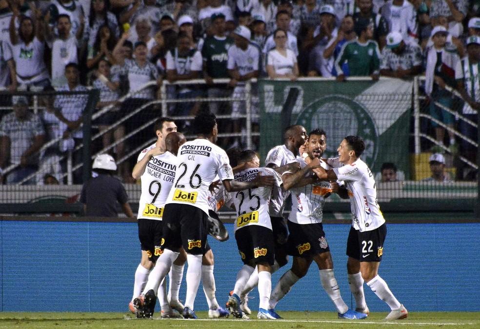 Michel fez um golaço no último clássico contra o Palmeiras — Foto: Marcos Ribolli