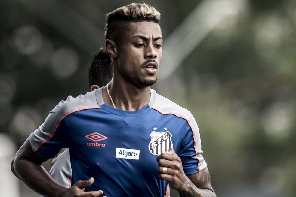 Bruno Henrique se apresentou nesta semana ao Santos, mas deve se transferir ao Flamengo — Foto: Ivan Storti/Santos FC