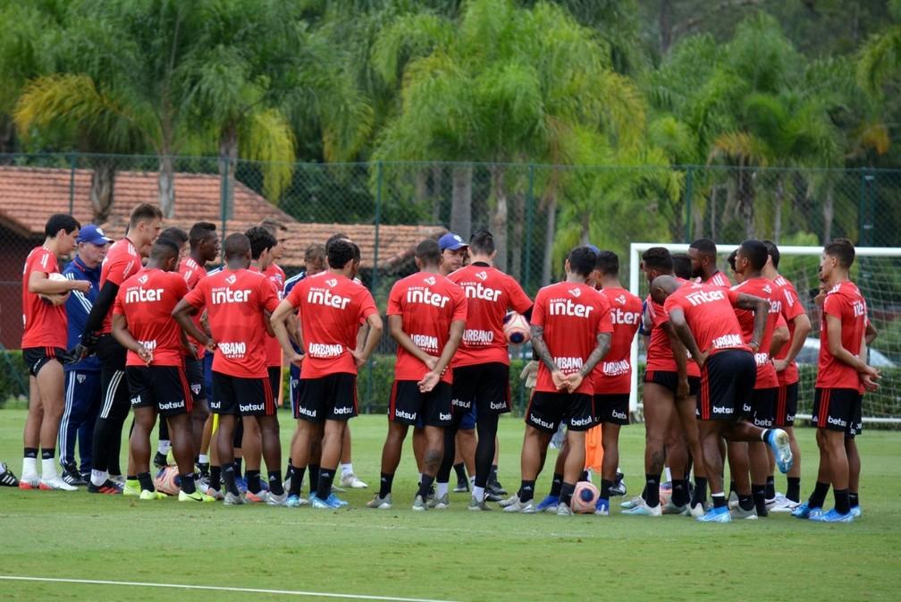 Fernando Diniz trabalha com 29 jogadores na pré-temporada do São Paulo — Foto: Divulgação São Paulo